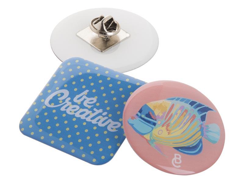 Custom made epoxy doming badge met metalen pin