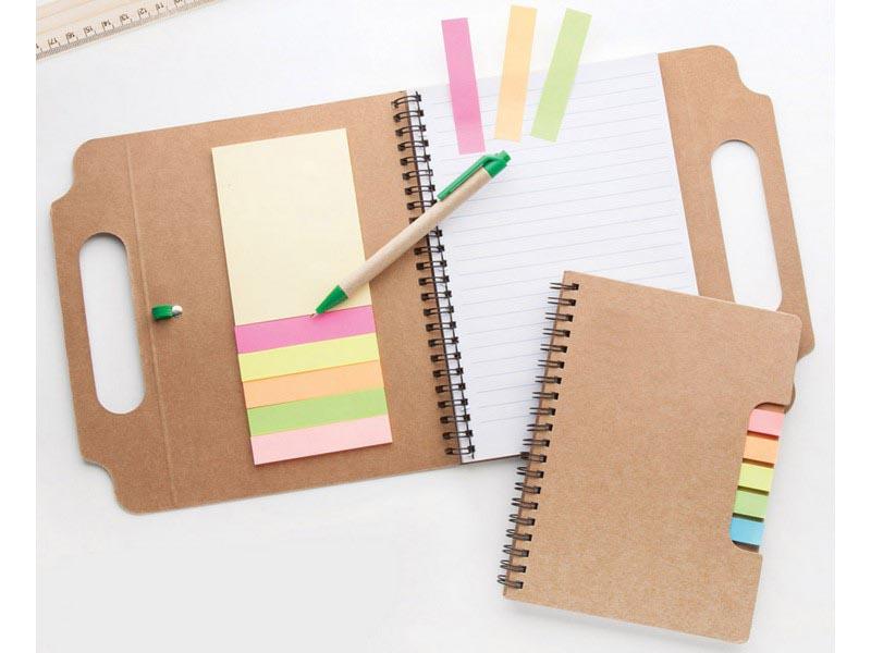 Gerecycled kartonnen notitieboek met 70 pagina's,