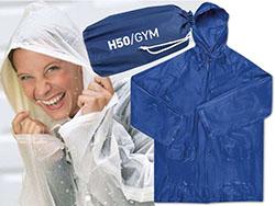 Regenjas met capuchon en zakken in een hoesje