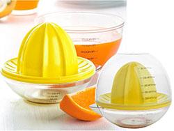 Citruspers met maatbeker