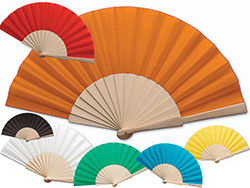 Waaier van textiel met 16 houten staafjes