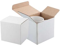 Wit papieren doosje voor een 300 ml mok