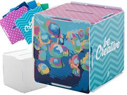 Plastic kubusvormige spaarpot